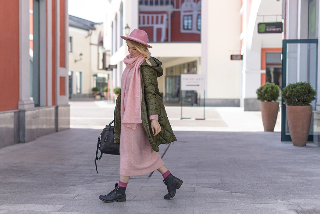 inspiration, streetstyle, spring outfit, moscow fashion week, annamidday, top fashion blogger, top russian fashion blogger, фэшн блогер, русский блогер, известный блогер, топовый блогер, russian bloger, top russian blogger, streetfashion, russian fashion blogger, blogger, fashion, style, fashionista, модный блогер, российский блогер, ТОП блогер, ootd, lookoftheday, look, популярный блогер, российский модный блогер, russian girl, с чем носить пуховик, с чем носить красный пуховик, как одеться весной, pastel heels, boyfriend jeans, тенденции обувь 2015, модная обувь 2015, что будет модно летом 2015, boyfriend jeans, joutsen, финские пуховики, пуховики из финляндии, trolls moscow, французский стиль,одежда из скандинавии, с чем носить длинный пуховик, с чем носить макси платье, модные пуховики 2015, trainers with dress