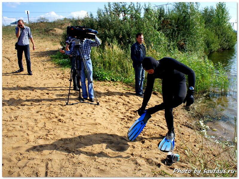 Дайверы клуба Deep обследуют дно озера Пляжное