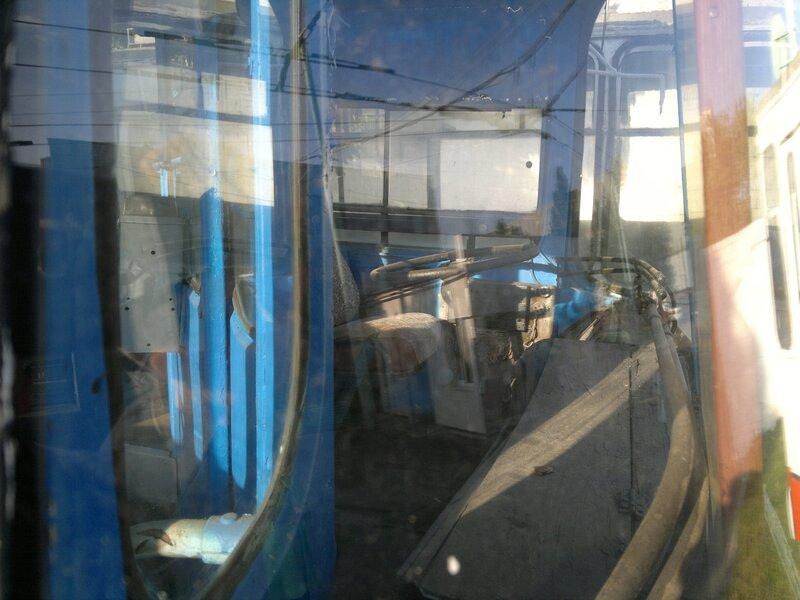 Старый троллейбус - кабина водителя