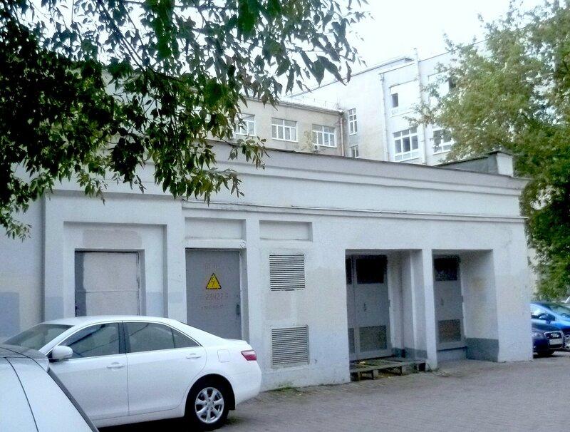 Spartakovskaya street, former Elokhovskaya. Part 1.here, street, Spartakovskaya, street, MusinaPushkina, side, manor, writes, house, main, yard, has, name, this, building, several, place, known, named, Molotov