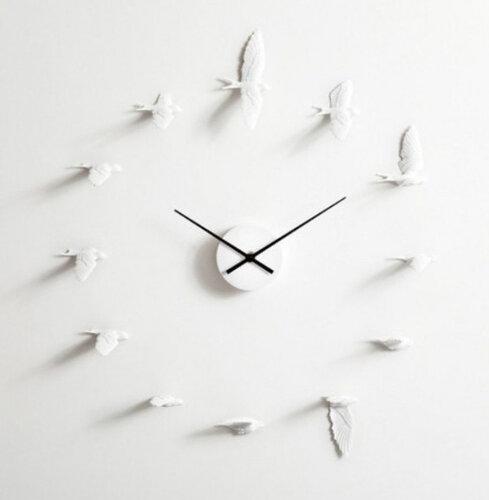 Часы с ласточками