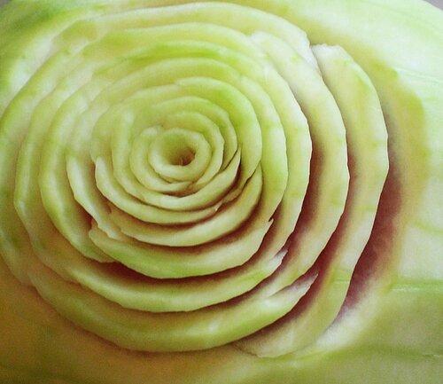 Роза из арбуза