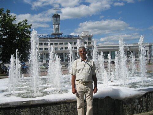 г. Нижний Новгород. Речной вокзал и фонтан на площади Маркина. 29 июля 2012 г.