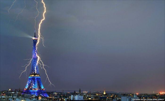 Красивые фотографии молний в самых разных местах и ситуациях 0 a552c 15c7efda orig