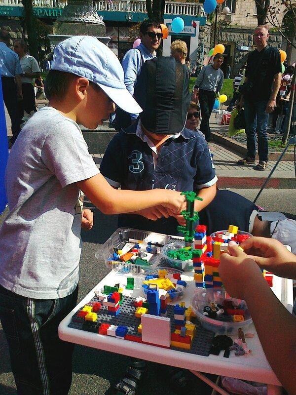 Игра в детский конструктор