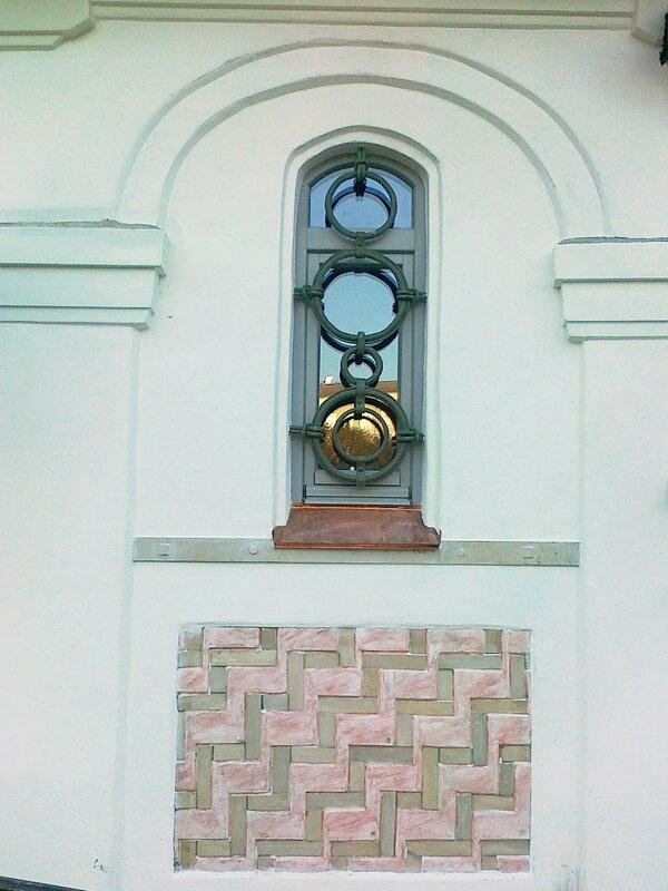 Окно Десятинного монастыря