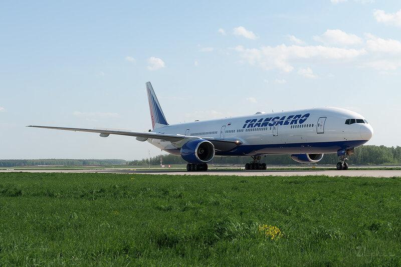 Boeing 777-312 (EI-UNP) Трансаэро DSC_0192
