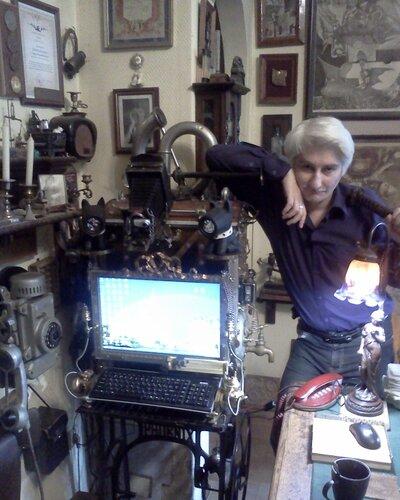 Скайп-камера, монитор и пюпитр для клавиатуры. (Фото 6)