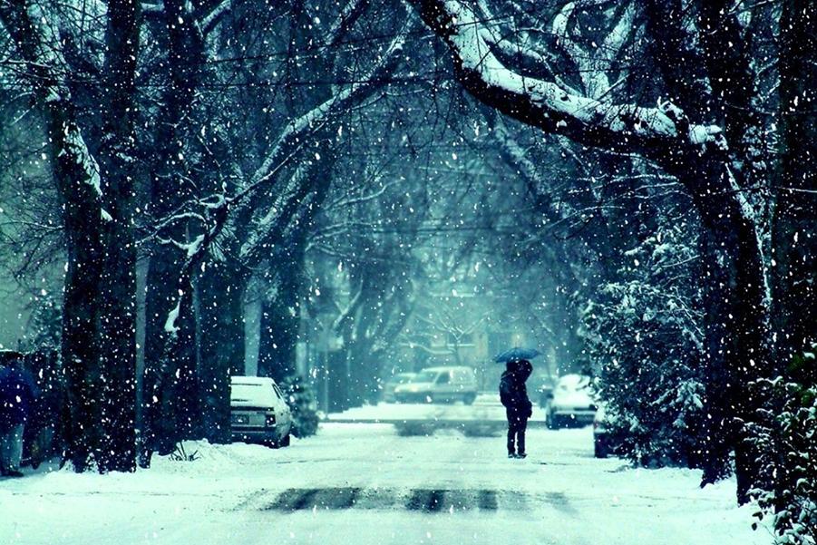 В Москве зима...