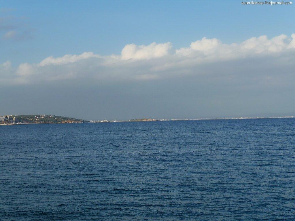 Море всегда разного цвета тут уж не