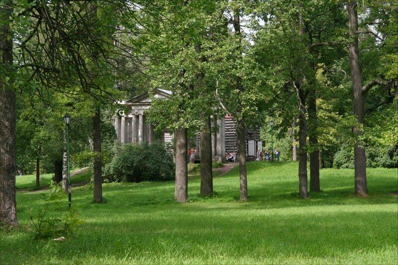 """Гатчинский парк, Березовый домик и портал """"Маска"""""""