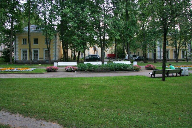 Павловск, Дворцовые конюшни