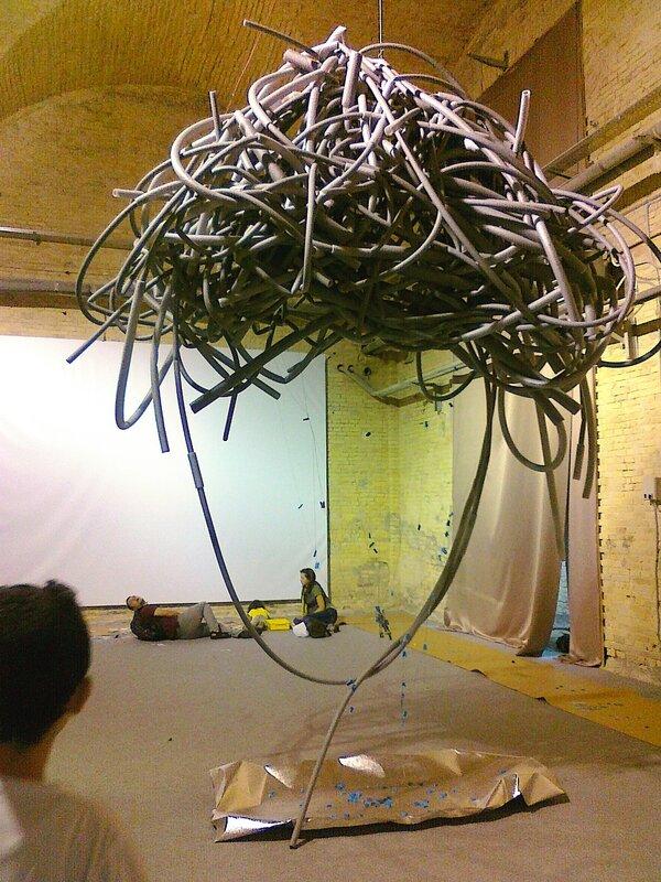 Висячая инсталляция