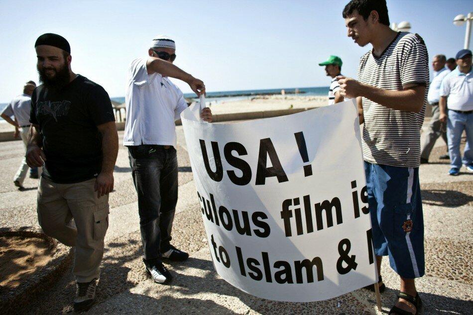 Протесты мусульман продолжаются: Анти-американские выступления по всему миру [ФОТО]