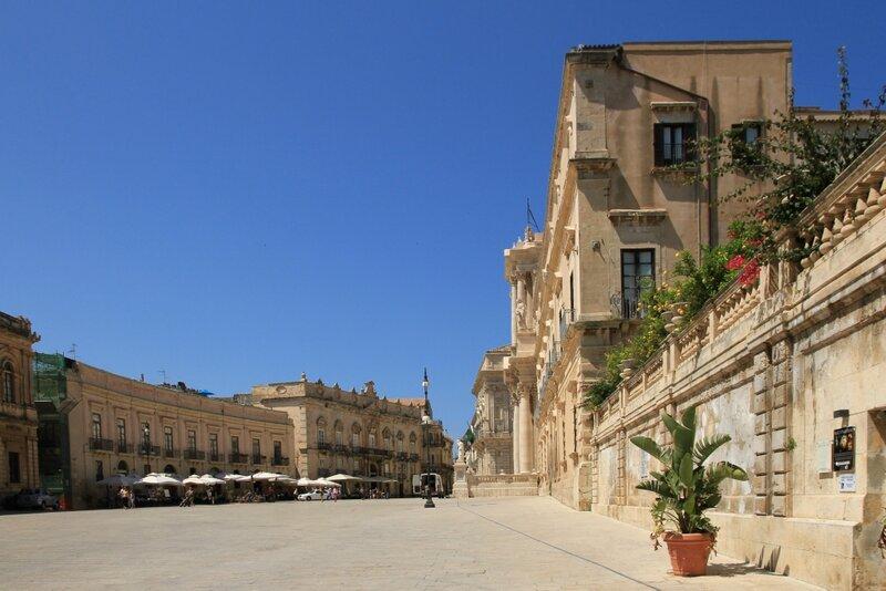 Сицилия, Сиракузы, Ортиджия – Соборнаяплощадь