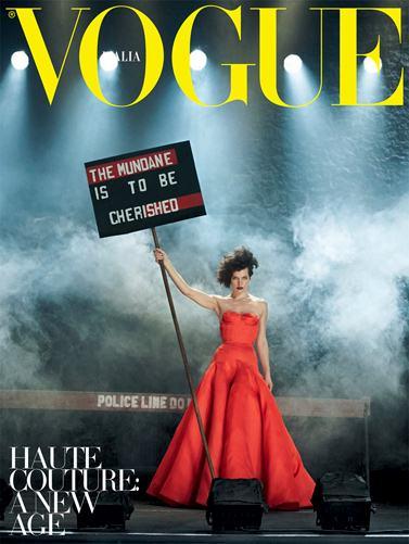 Milla Jovovich / Милла Йовович на обложке журнала Vogue Italia, сентябрь 2012 / фотограф Peter Lindbergh