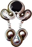 priss_strangebeauty_earring1.png