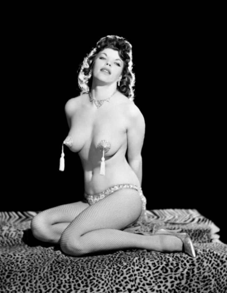 Эротические купальники 60х годов 15 фотография