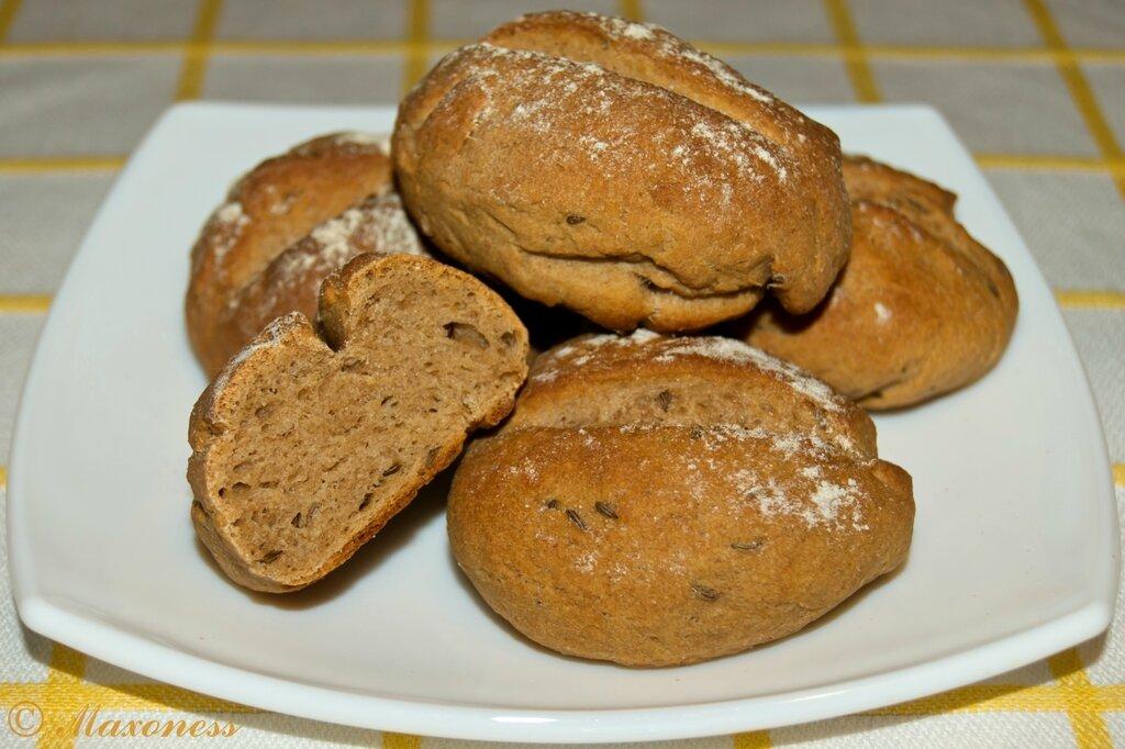 Ржаные булочки с тмином