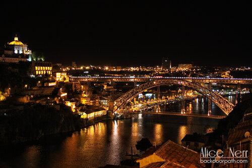Luís I Iron Bridge in the night, oporto embankment