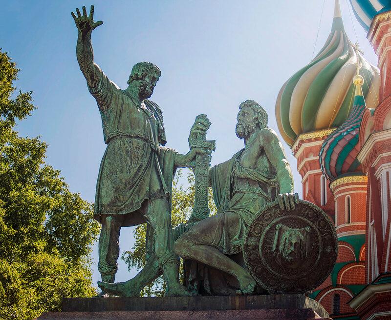 Памятник Минину и Пожарскому в Москве.jpg