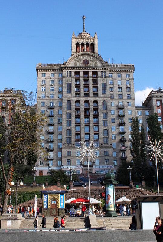 Красивый дом в центре Киева