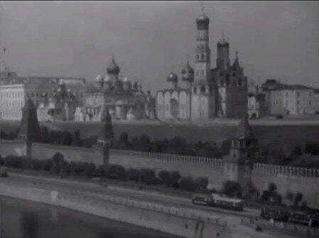 Кадр из фильма Миссия в Москву (1942)