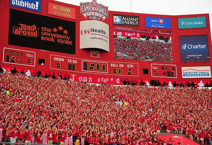 Студенческий чемпионат по американскому футболу 2012 - 1-ая неделя / Барсуки из Университета Висконсина