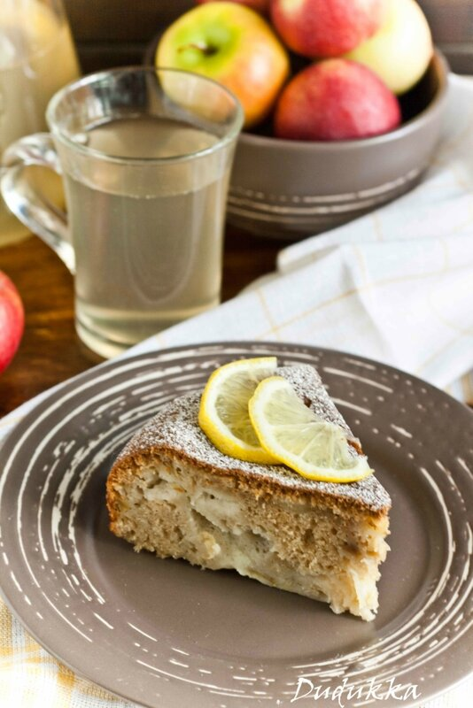 Яблочный пирог из мультиварки и яблочная вода