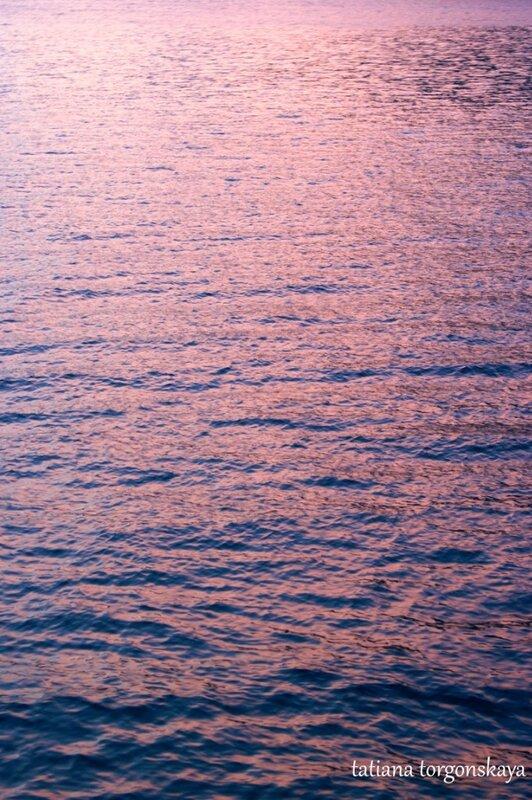 Морская вода на закате