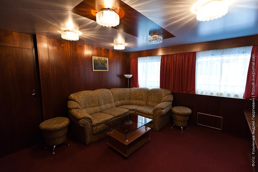 Двухкомнатная каюта люкс №432 со всеми удобствами теплоход Зосима Шашков