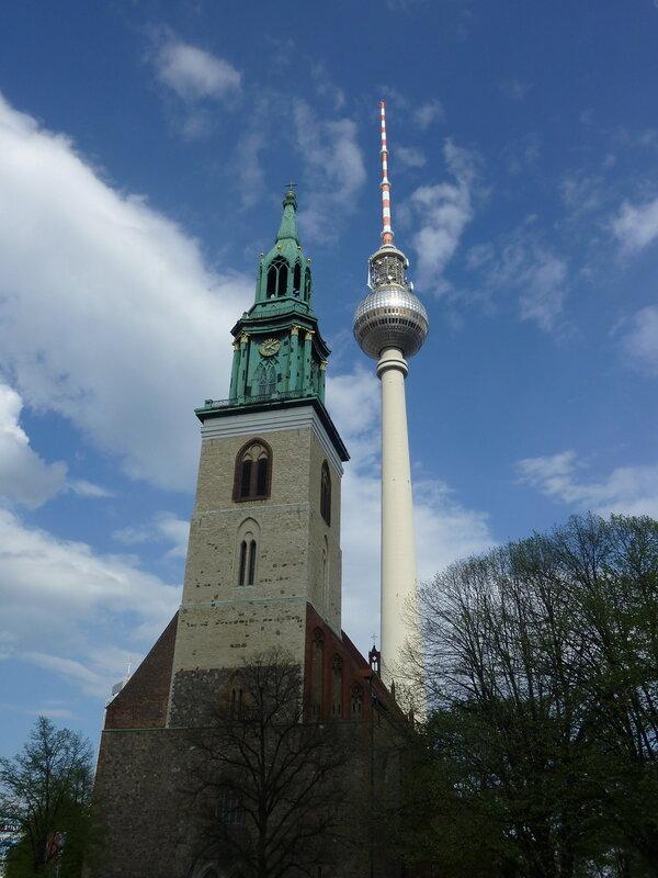 Берлин старый и новый: Мариенкирхе и Телебашня