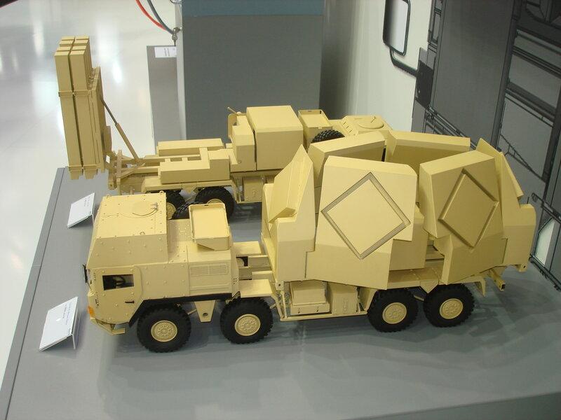 Многофункциональный радар ЗРК от DIEHL