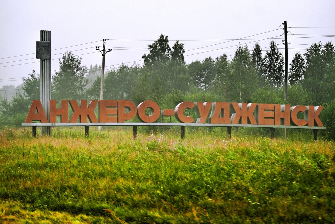 syuzheti-skritoe-nablyudenie-zhenshini-masturbiruyut-devushka-kupaetsya-video
