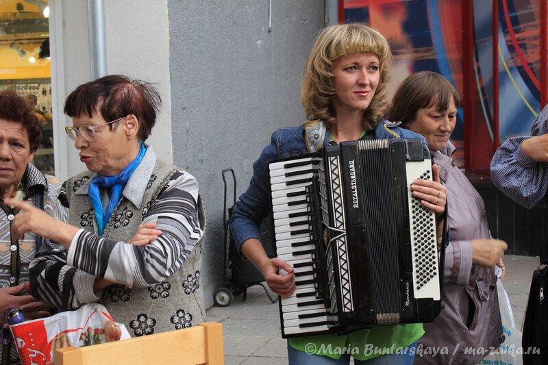 Городской фестиваль 'Играй, гармонь', Саратов, проспект Кирова, 09 сентября 2012 года