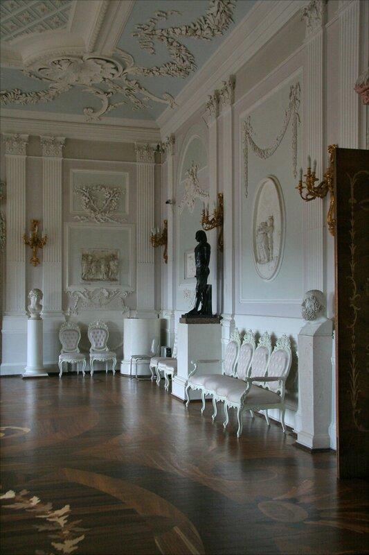 Гатчинский дворец, Белый зал