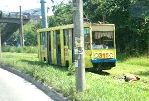 Во Владивостоке трамвай насмерть сбил рабочего