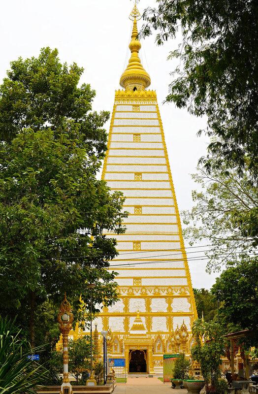 Город Ubon Ratchathani  &  Pha Taem National Park  (фоторепортаж)