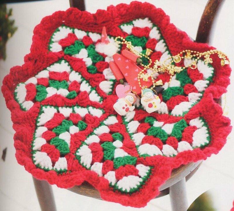Схему вязания чехла для табурета можно увидеть на ниже приведённом.