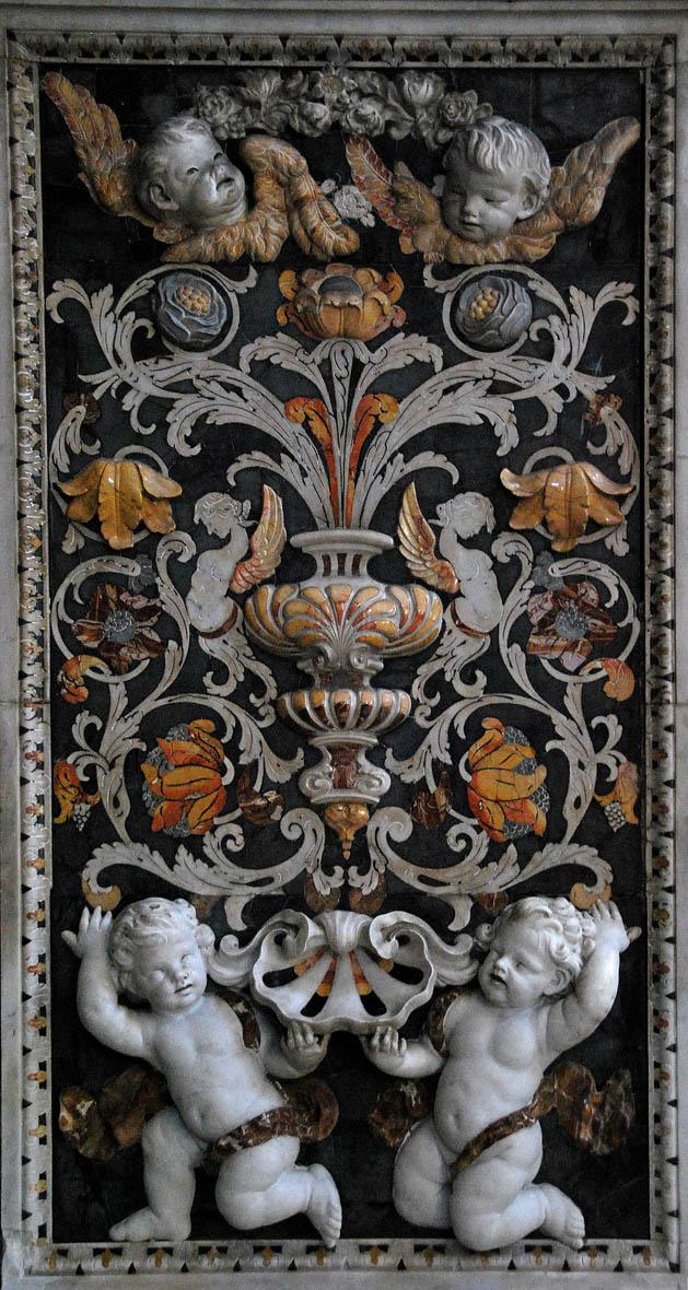 Мозаики выполнены в 17 веке их рисунок