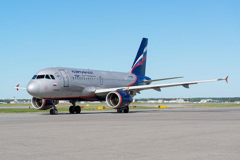 Airbus A319-111 (VP-BDM) Аэрофлот D800713