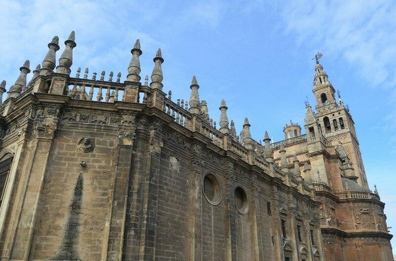 Стена севильского собора