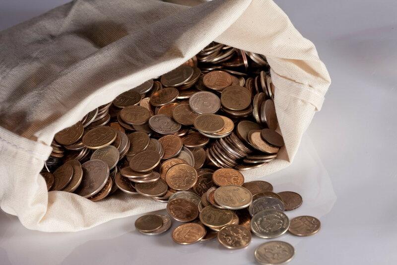 В «День приема монет» томичи сдали в Томскпромстройбанк мелочи на 352 тысячи рублей