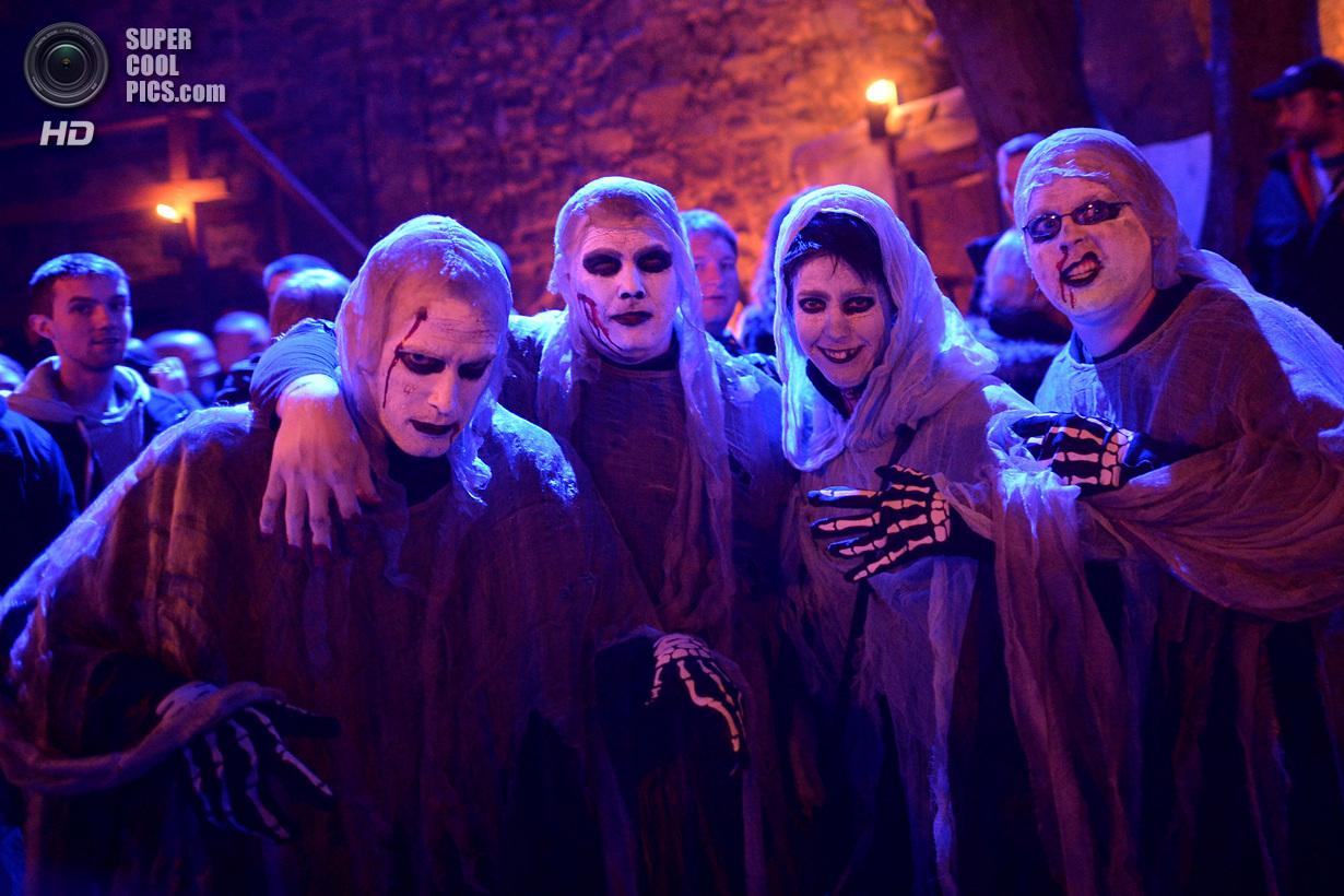 Вечеринка у замка Франкенштейна