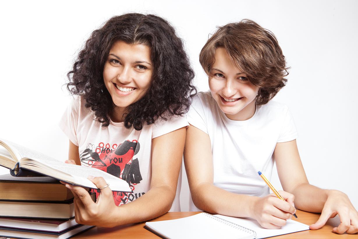 В 2014 году в Германии официально отменена оплата за обучение в колледжах, даже для иностранных