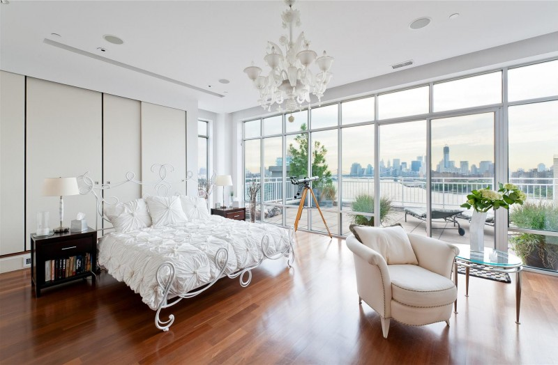 Дизайн интерьера спальни в светлых оттенках фото 20