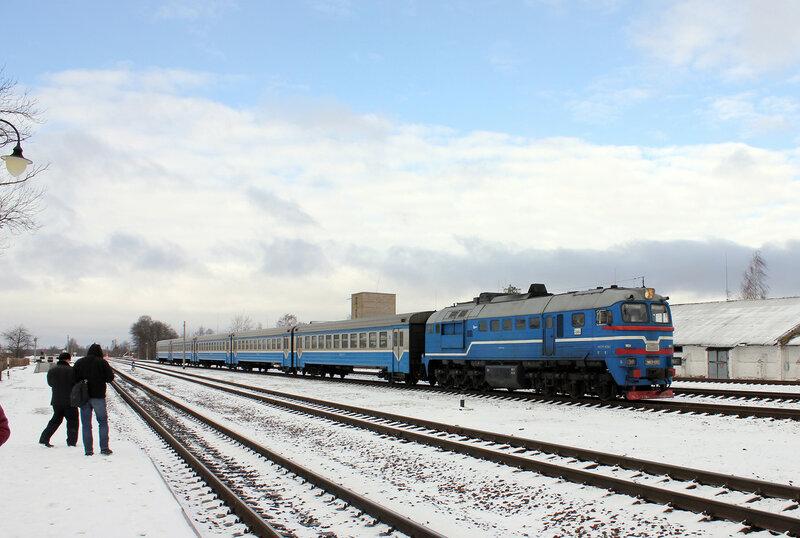 2М62У-0262 пригородным рейсом Полоцк - Витебск на станции Шумилино