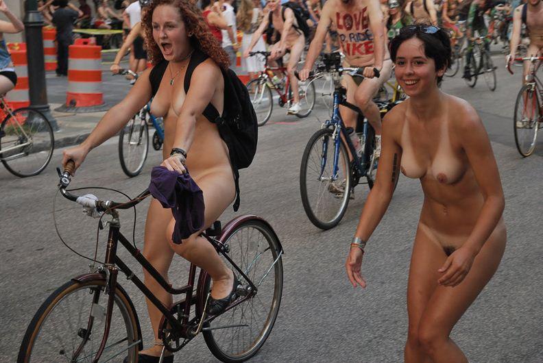 Фото голых велосипедисток