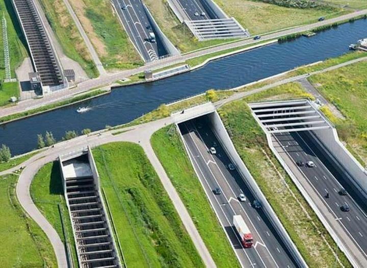 Акведук в Нидерландах