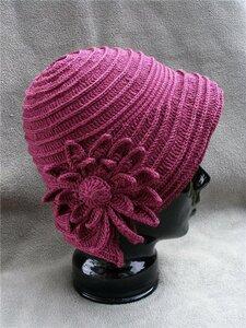 Изумительная шляпка с цветком